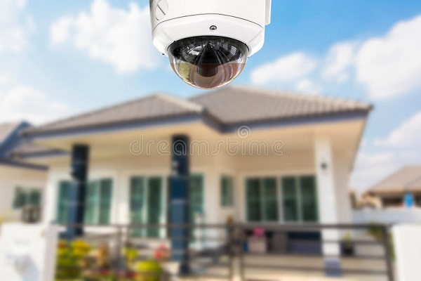 cctv-home-camera-security-operating-house-67628368